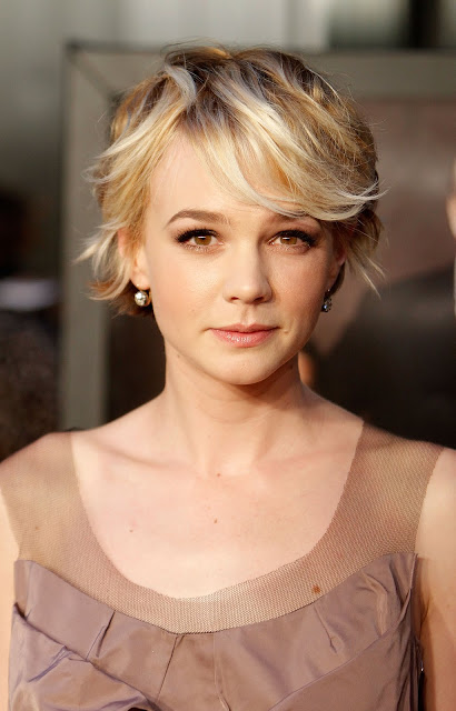 Carey-Mulligan-new-hairstyle-pixie-actress-oscar-pictures-brothers (6)