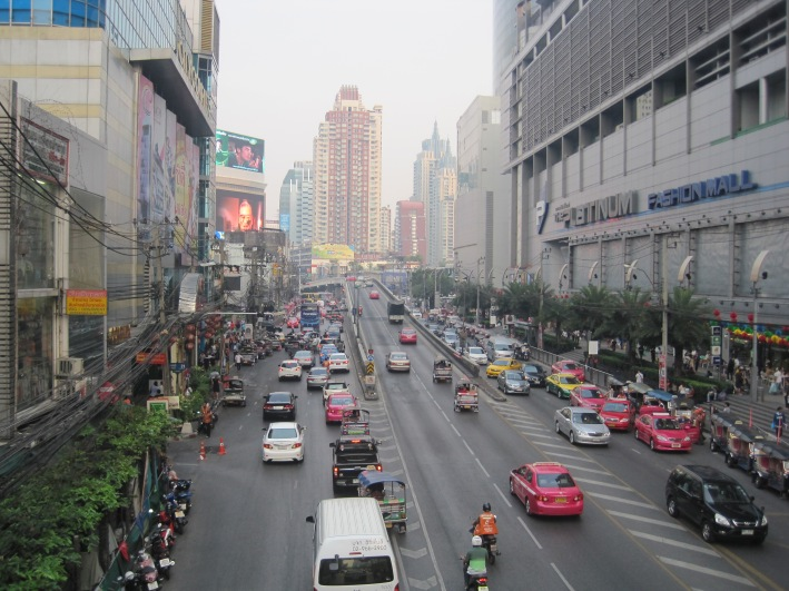 Bangkok - Tụ điểm ăn chơi của thế giới