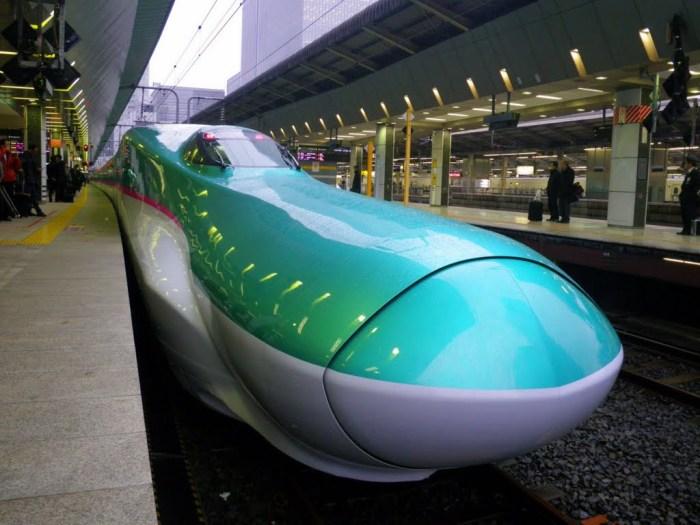 """Một """"chiếc"""" Shinkansen khác với thiết kế mũi dài vô cùng lạ mắt. Ảnh: panoramio.com"""