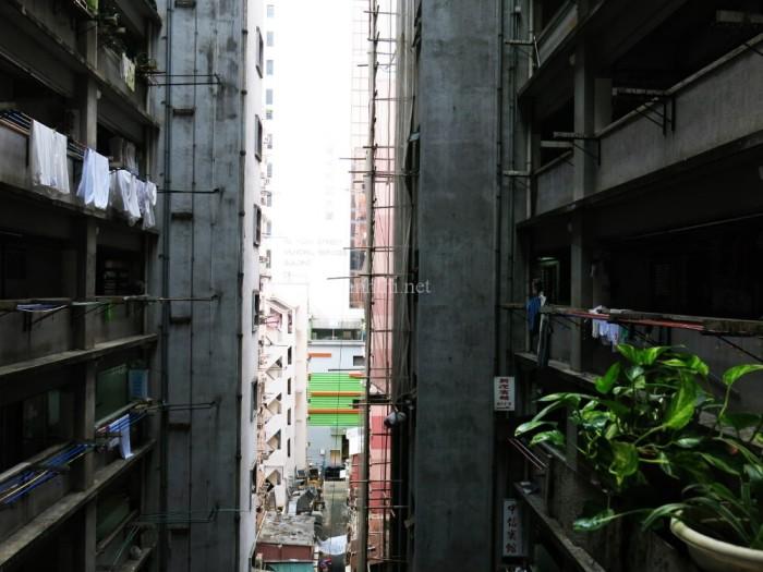 Thực ra đây chính là khu hostel mình ở, hì hì. Chỗ này khá rẻ tiền mà lại tiện, gần ngay Mong Kok Station, bạn nào có nhu cầu mình sẽ cho địa chỉ ha!