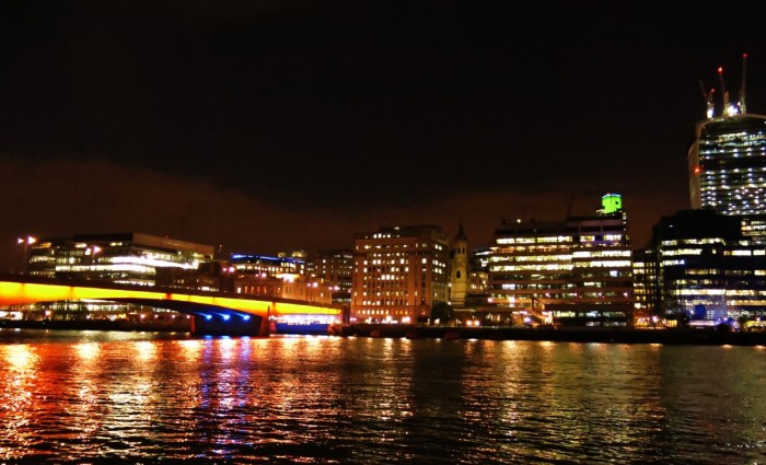 _London Bridge ben bo song Thames 2