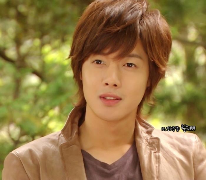 """Trong mắt người hâm mộ, có lẽ Kim Hyun Joong đã không còn là """"chàng trai đẹp hơn hoa"""""""