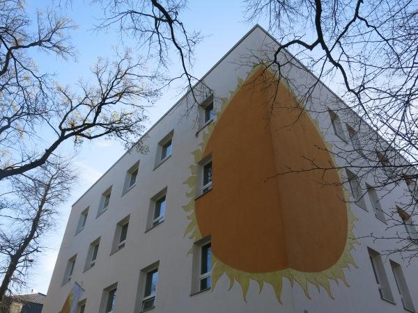 Berlin giờ đây vẫn là thành phố của những bức tường, nhưng theo một nghĩa khác :)