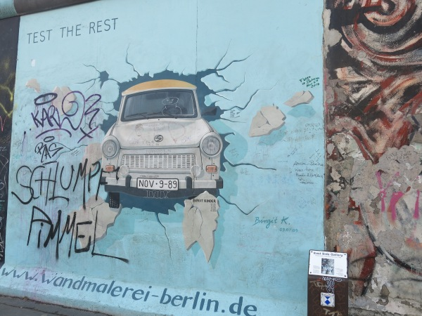 Mot mang tuong Berlin khu vuc East Side Gallery